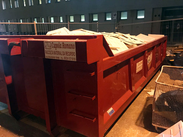 Container-scarrabili-per-raccolta-rifiuti