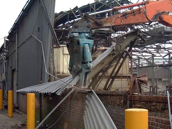 Demolizioni-strutture-metalliche-fiorenzuola-d-arda